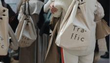 Salon-traffic sacs (c) WTTJ